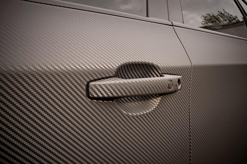 Карбоновое покрытие автомобиля