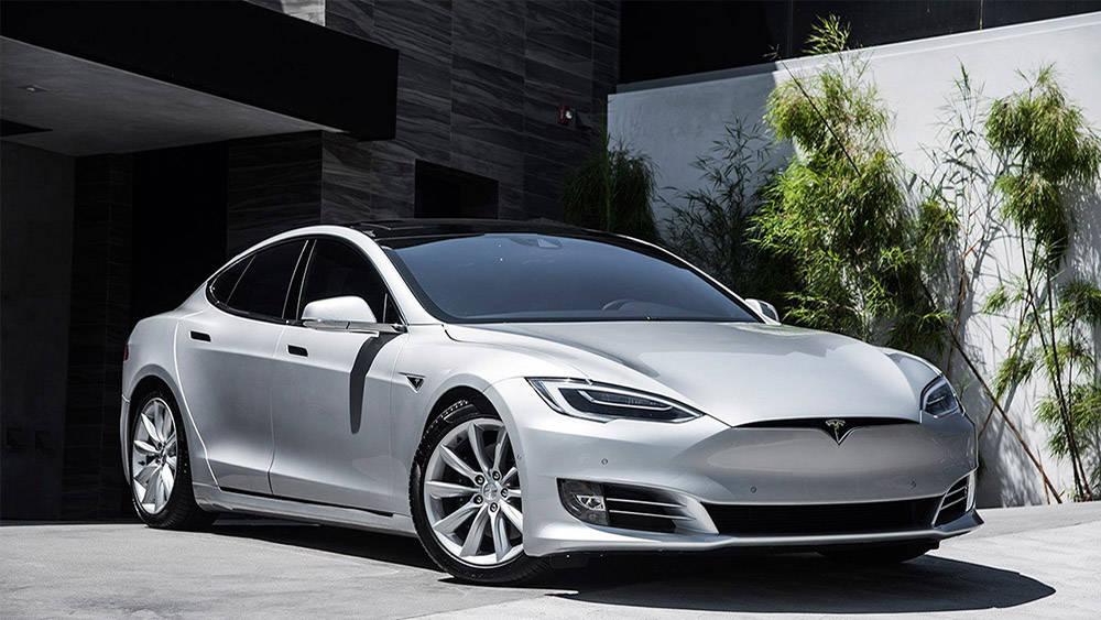 TeslaModel S