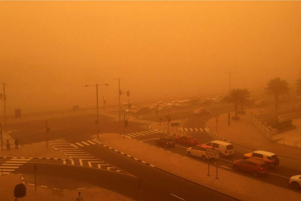 авария и песчаная буря