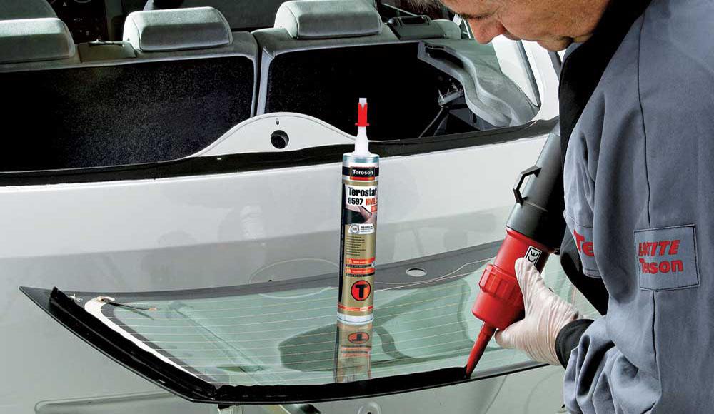 Как правильно выбрать клей для автомобильного стекла